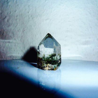 rock-crystal-1640717_1920_